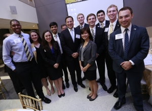 Juan Carlos Varela with Georgia Tech students
