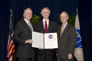 """From Left to Right: Dr. Irwin M. Jacobs (NAE Chair), William J. """"Bill"""" Cook, and Dr. Charles M. Vest (NAE President)"""
