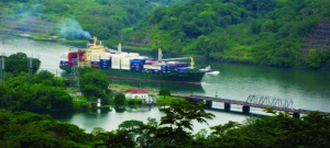 Master's students examine the impact of the Panama Canal expansion on China-U.S.transportation networks