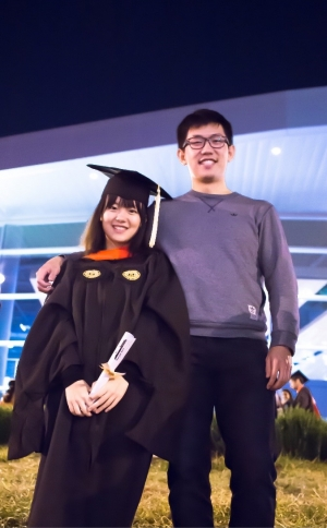 Yuxi Wu with her now-husband, Chenliang Yang (BSME 2016), after Wu's graduation from Georgia Tech in 2015.